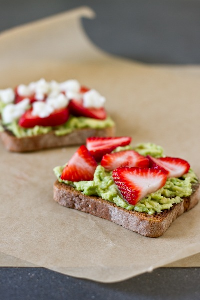 avo strawberry toast