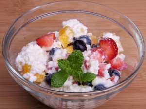 cottage-cheese-fruit