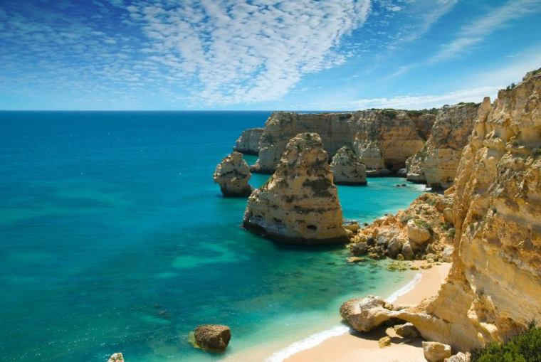 Portuguese_beach_Algarve.jpg
